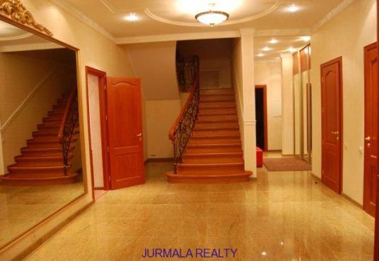 Pārdod māju Bulduros